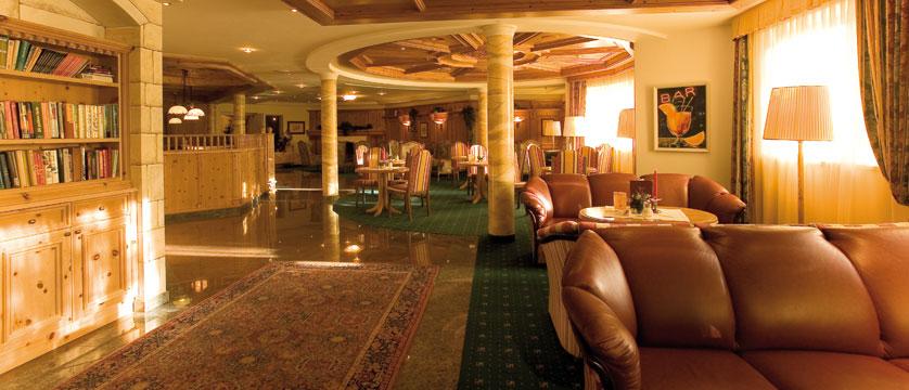 austria_seefeld_hotel-schoenruh_lobby.jpg